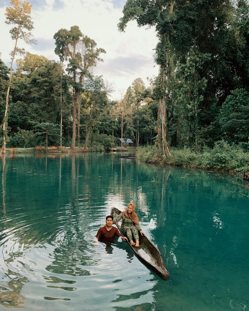 Menikmati Segarnya Mata Air Biru Di Pemandian Fotuno Sangia