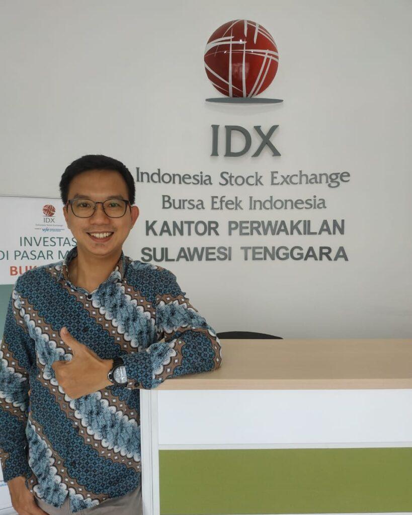 P.H Kepala Kantor Perwakilan Bursa Efek Indonesia Sulawesi Tenggara (Sultra), Ricky.