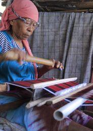 Kampung Sulaa, Surga Tenun Khas Buton di Kota Baubau