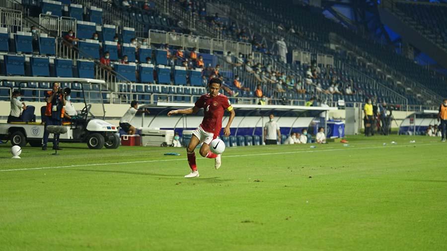 Kapten Timnas Indonesia, Evan Dimas Darmono saat bermain menghadapi Thailand. Foto: PSSI.