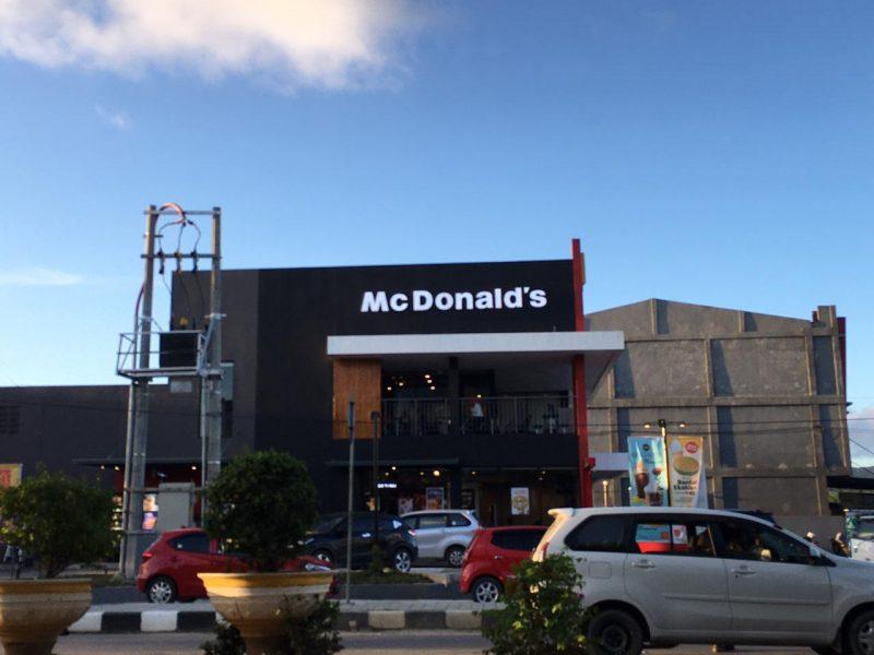 Belum Cukup 12 Jam, Menu BTS Meal di McD Kendari Ludes