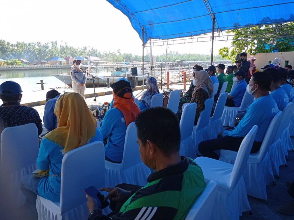 Sekda Kota Kendari, Nahwa Umar membawakan sambutan di acara peringatan Hari Lingkungan Hidup Sedunia. Foto: Pemkot Kendari.