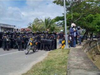 Kondusif! Puluhan Personel Polres Kendari Amankan Area Kebi