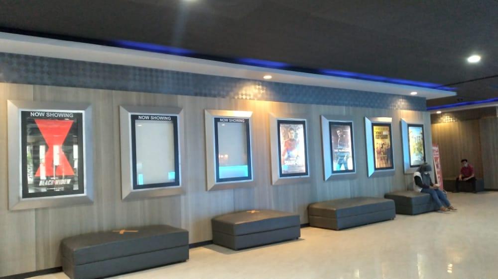 Suasana bioskop Hollywood Square Kendari. Foto: Yusrin Ramadhan/Kendariinfo. (16/9/2021).