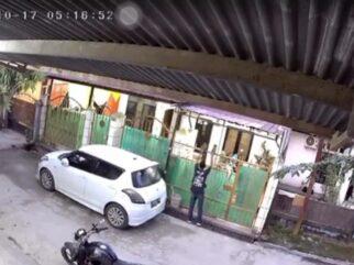 Pencuri Sepatu di Kendari Terekam CCTV